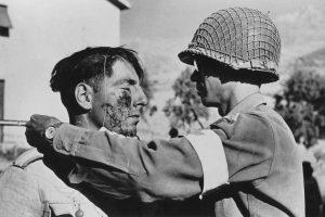 """""""رابرت کاپا"""" بنیان گذار اصول عکاسی جنگ"""
