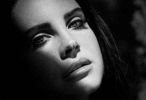 """آهنگ """"Young and Beautiful"""" از """"Lana Del Rey"""" به همراه ترجمه"""