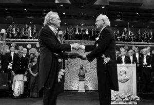 117 برنده جایزه نوبل ادبیات از 1901 تا 2020 را بشناسید