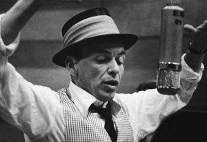 آهنگ Fly Me To The Moon از Francis Sinatra (فرانک سیناترا) به همراه ترجمه